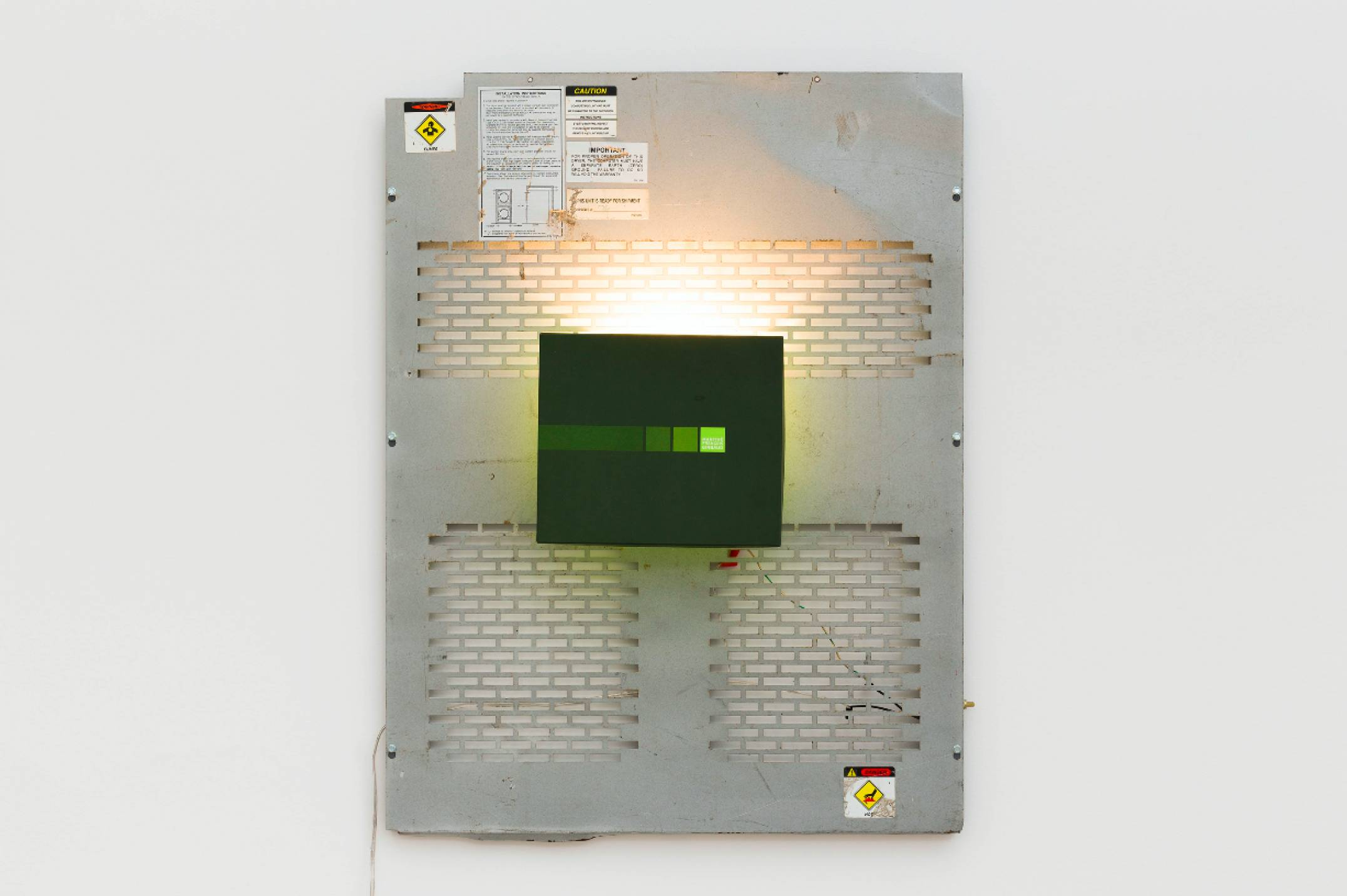 Aki Sasamoto, <em>Shoebox Wall Sconce (Marthe Francoise Girbaud),</em> 2016, shoebox lid, backboard of a used laundry machine, wall sconce, wood, LED light bulb and push button switch, 81,3 × 66 × 17,2 cm - Mendes Wood DM