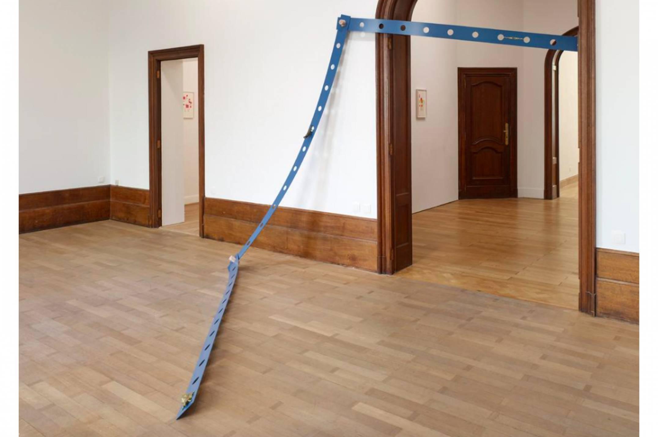 Mariana Castillo Deball, <em>Tonalpohualli Blue</em>, 2017, aluminum, wood, bronze, variable dimensions, 270 × 12 × 0,3 cm - Mendes Wood DM